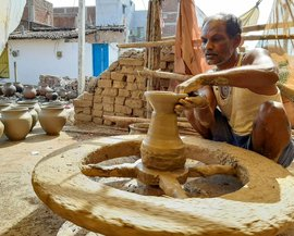 Feet of clay: Chhattisgarh's potters, locked down
