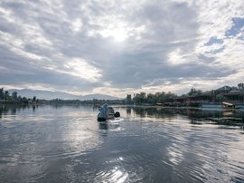 Rocking the boat in Srinagar's Dal Lake