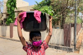 Lockdown burden on little shoulders in Latur