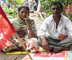 "Parvatibai Gavli and Shivaji Gavli have come from the Pimpri Markanda village in Kalwan taluka of Nashik district in Maharashtra. They want the government to implement the Swaminathan Commission recommendation of a minimum support price for crops: ""We are being asked to sell onions at Rs. 7 per kilo. For the past six months we haven't sold any onions."""