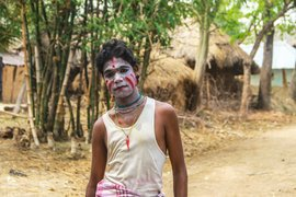 Possessed by his art, a Bahurupi transforms