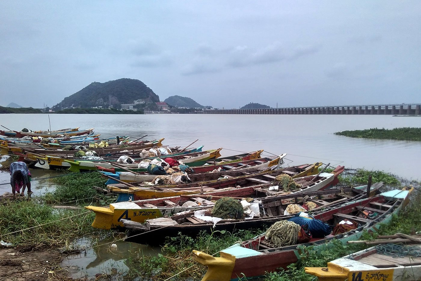 Fishing boats at the Polakampadu Revu as there is hardly any fish in the river