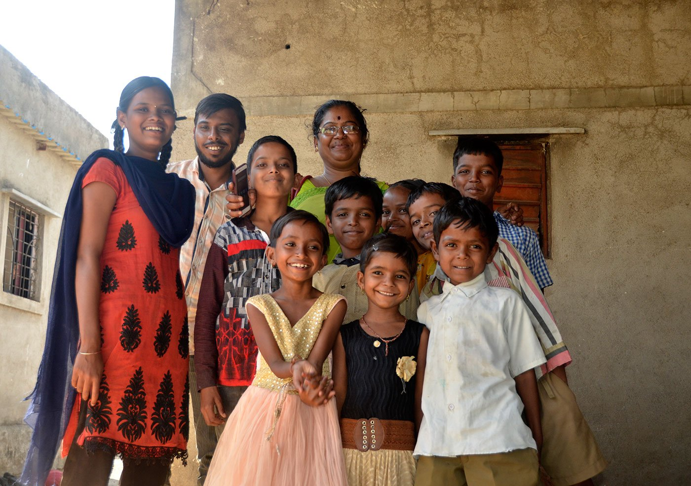 Sunita Bhosale in the Karade village with children from Pardhi community for whose education she works
