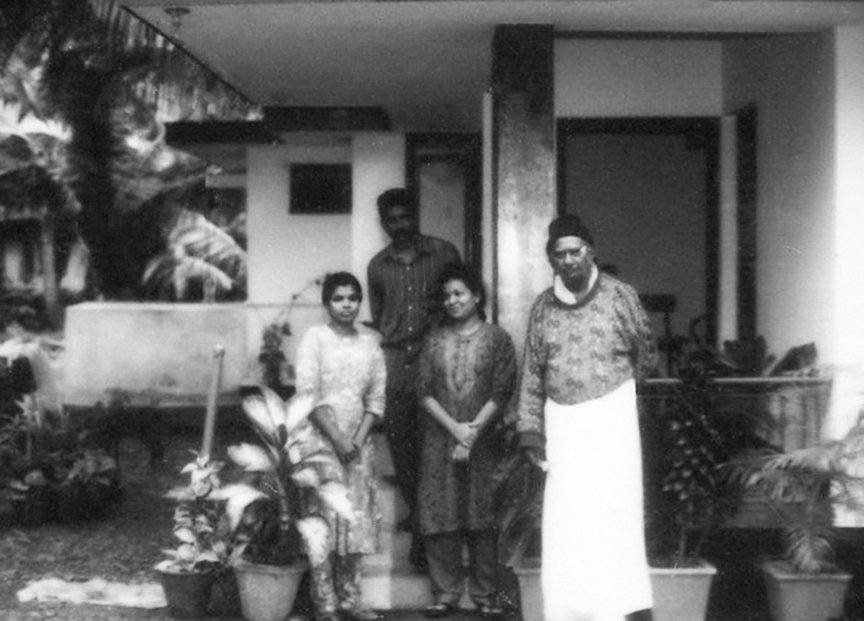 K.P.R. Rayarappan (extreme right) with some of Sumukan's grandchildren