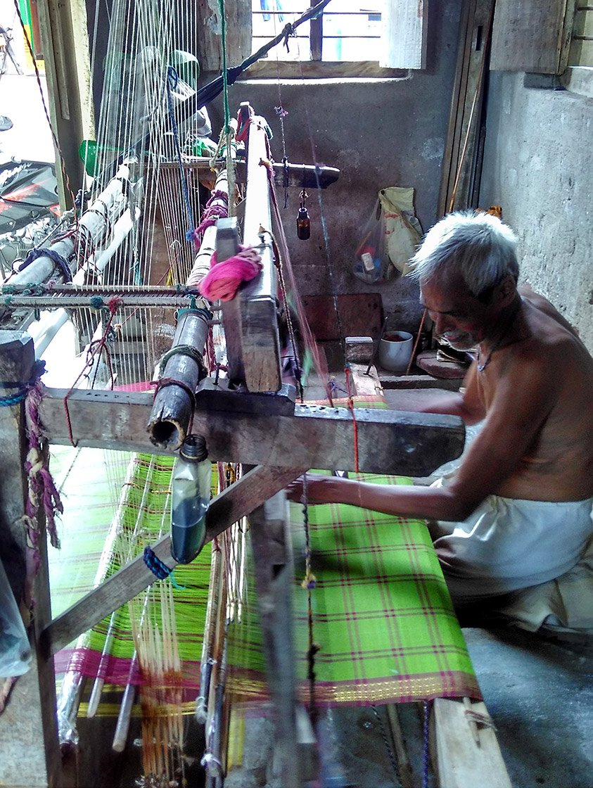 Vidumatla Kota Pailayya, 73, working on his maggam in his two-room house in Ramalakshmi weavers' colony