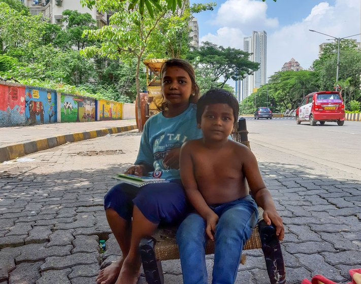 During the lockdown, Meena and her family – including her daughter Sangeeta and son Ashant – remained on the pavement, despite heavy rains
