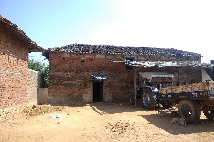 Babulal Kuandhar's house   Sarathpura Hamlet, Tara Village, Amanganj tehsil, Panna District