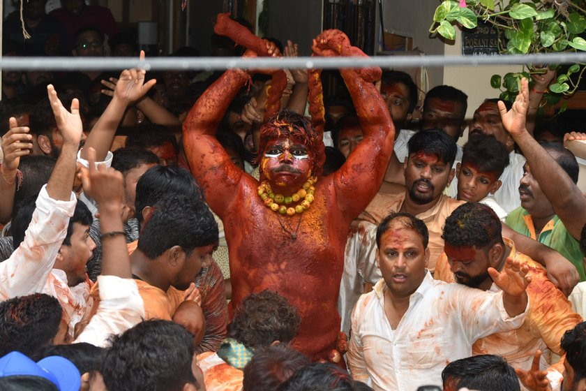 Posani Ashwin as Pothraj starts his dance coming out of his ancestral home