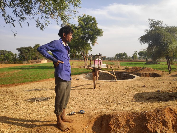 Mangal Singh at the unoperational water turbine at Kanji ghat