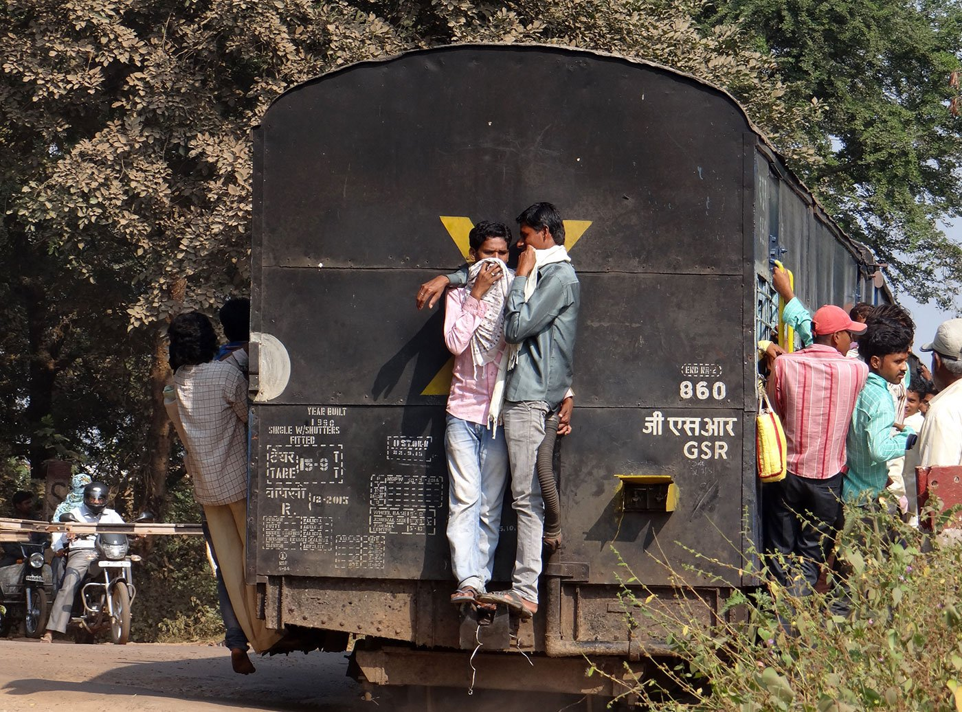Trains along the Raipur-Dhamtari stretch ply three times a day, 2.5 to 3 hours one way, carrying hundreds of daily wage workers each time