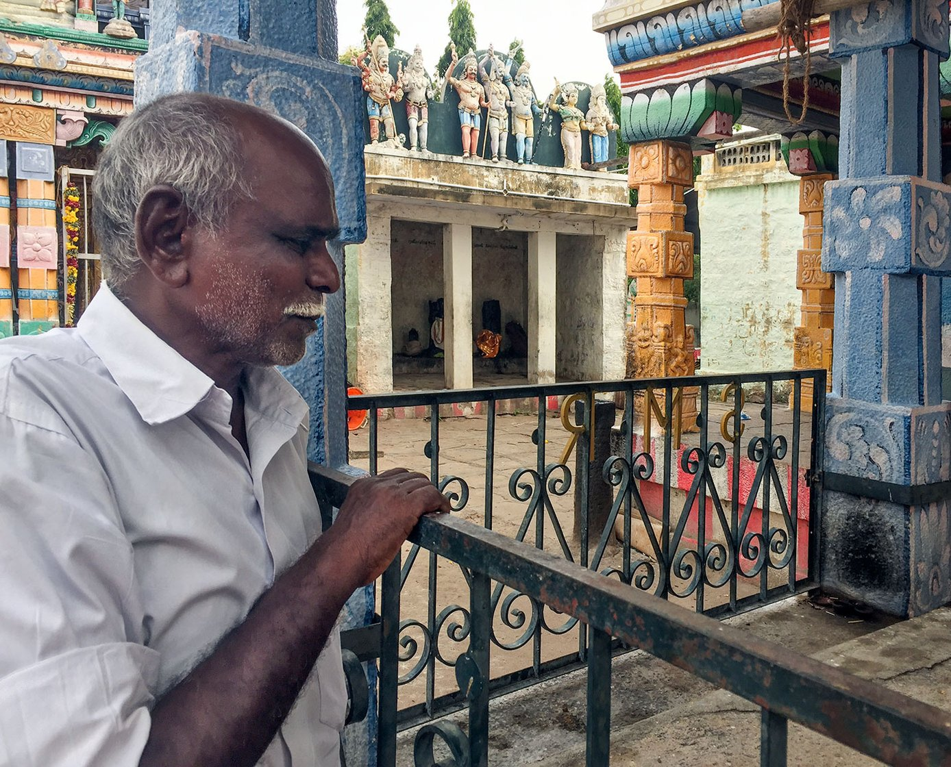 Pon Harichandran at a temple