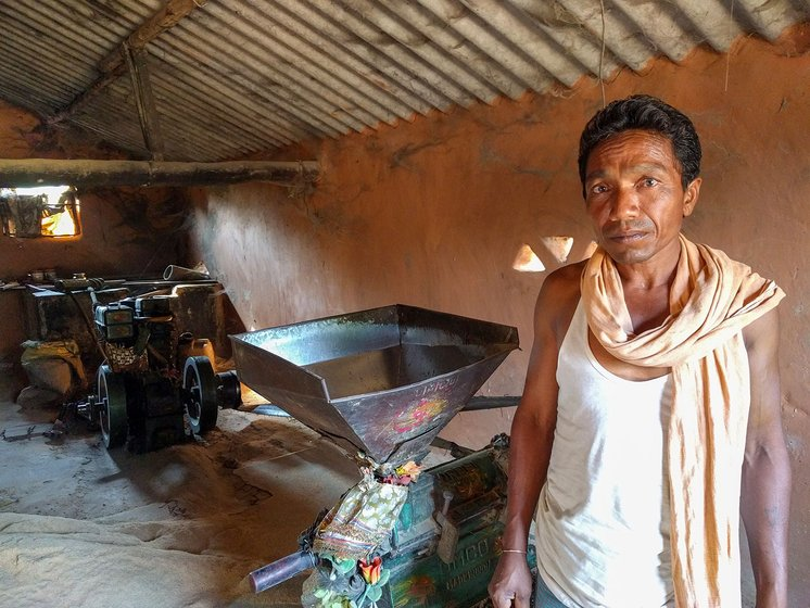 Sukdeb Silpadia used his rice milling machine to polish the ragi grain and make it free from chaff.