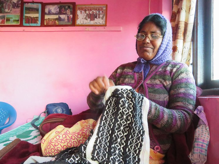 Simmavani - : Toda embroidery has switched from cotton thread to wool, cheaper and easier to do