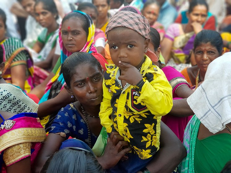 A katakari woman participated in march with her child