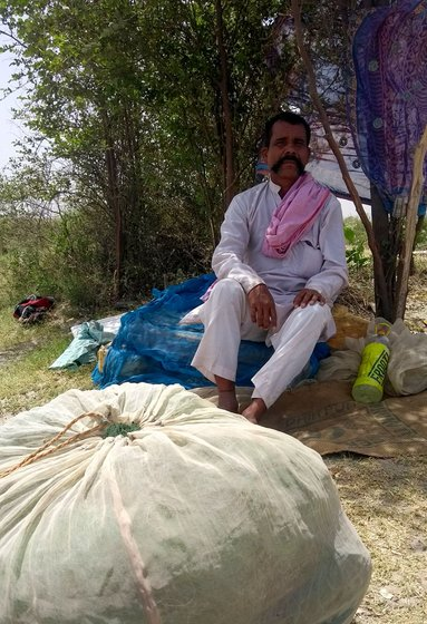 When industries release effluents into the river, fisherfolk are the first to know. 'We can tell from the stench, and when the fish start dying', remarks 45-year-old Mangal Sahni, who lives at Palla, on the Haryana-Delhi border, where the Yamuna enters the capital