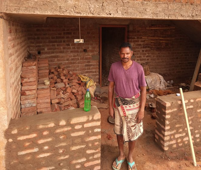 Sadhu Ayal, besides farming, also does masonry work. He says, by applying farmyard manure and fertilisers, around 12 quintals of ragi can produced in an acre.