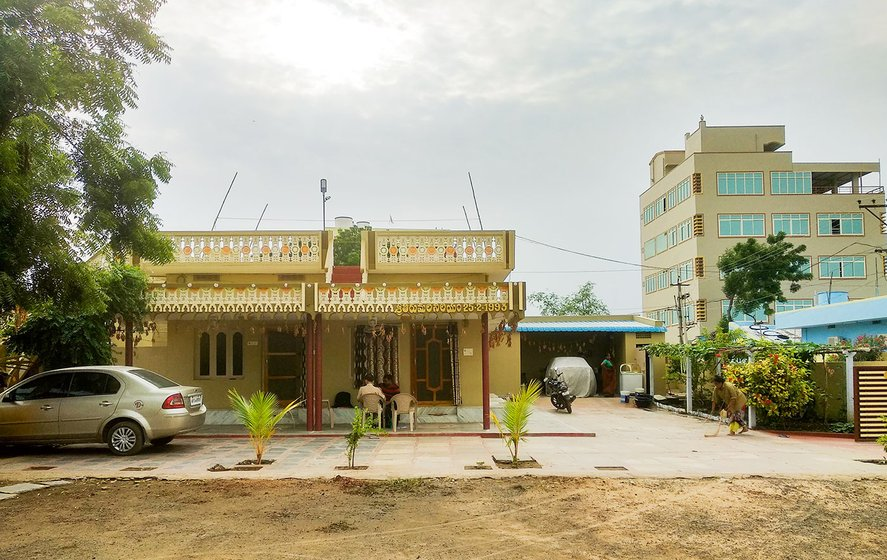 Nagamalleswara Rao's house. He brought a car recently