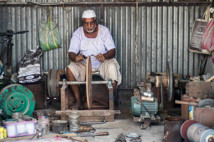 Dilawar also makes and sharpens tools other than adkittas. 'This side business helps us feed our family', he says