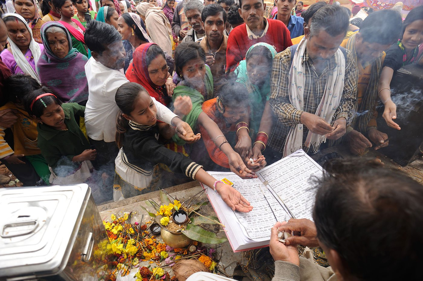 People gathered at the Bhajan mela paying their respects to the Ramcharitmanas