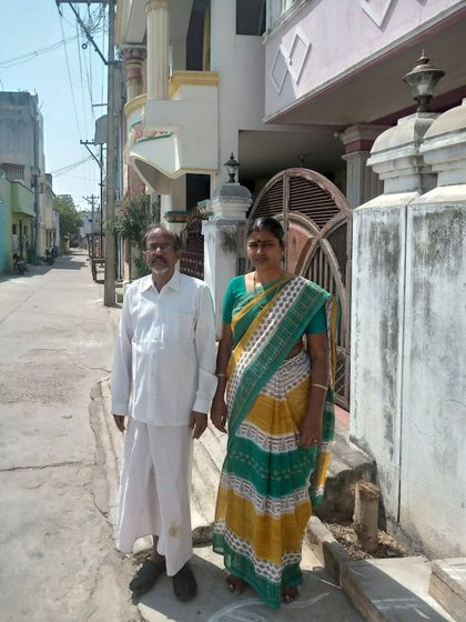 In Kancheepuram, Tamil Nadu, master weavers and national award winners B. Krishnamoorthy and B. Jayanthi: 'Weavers keep calling [since the lockdown began] asking for loans of Rs. 2,000-3,000 for food'