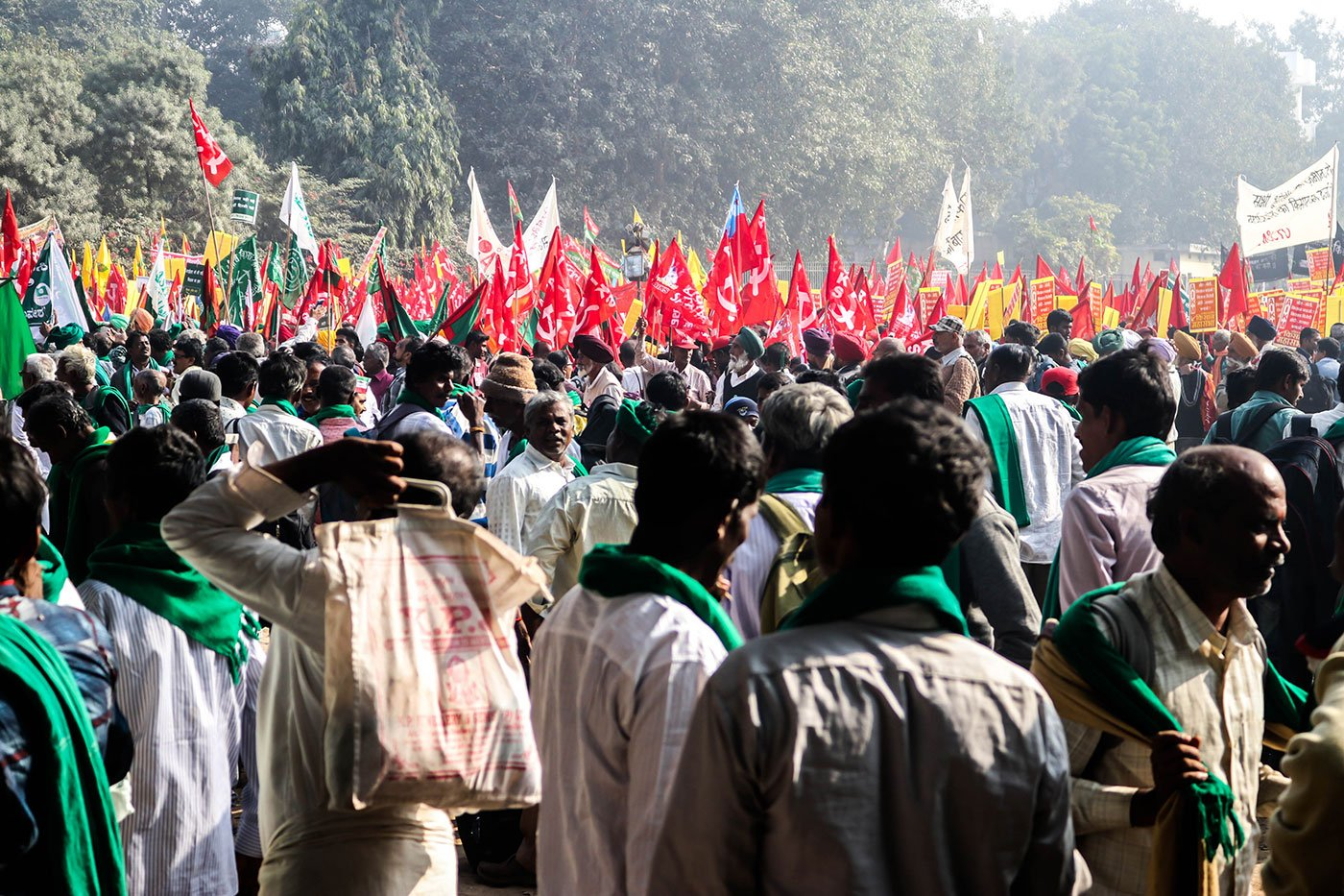 Farmers starting their March from Ramlila Maidan towards the Parliament street