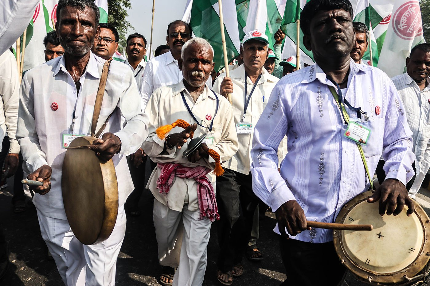 Farmers from the villages of Kolhapur district in Maharashtra playing traditional musical instruments amidst the March