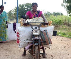 Chandra leaves for the Sivagangai market