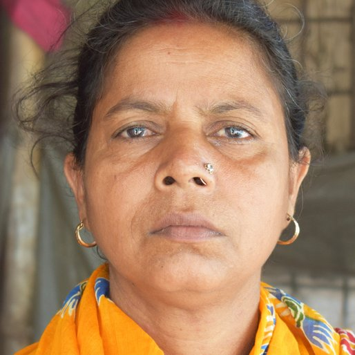 Shefali Purkait is a Flower seller from Gocharan, Baruipur, South 24 Parganas, West Bengal