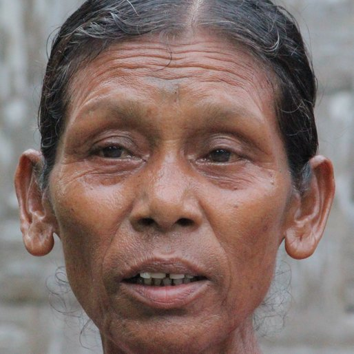 PYARI KHARIA is a Tea garden worker from Dholabari, Mal, Jalpaiguri, West Bengal