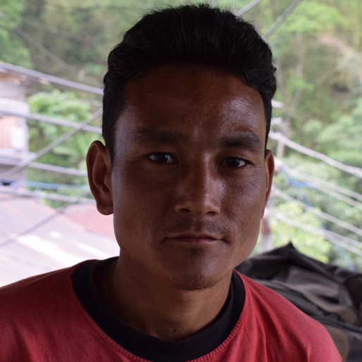 Arun Subba is a Wage labourer from Bijanbari, Darjeeling Pulbazar, Darjeeling, West Bengal