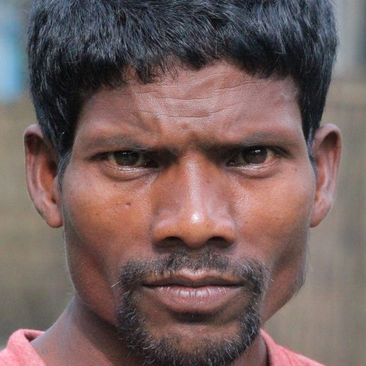 GHURA KHARIA is a Sharecropper from Dholabari, Mal, Jalpaiguri, West Bengal