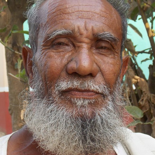 ABDUL MIRZA is a Farmer from Kamarpukur, Goghat II, Hooghly, West Bengal