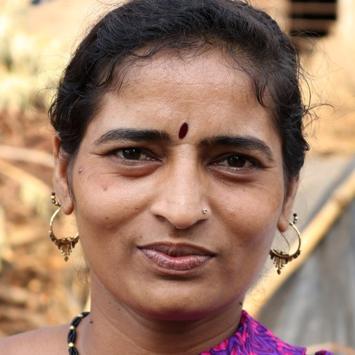 SARITHA KUMBHAR is a Potter from Kapashi, Kagal, Kolhapur, Maharashtra