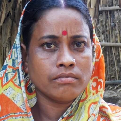 SONALI RANA is a Homemaker and daily wage worker from Tisa, Chanditala II, Hooghly, West Bengal