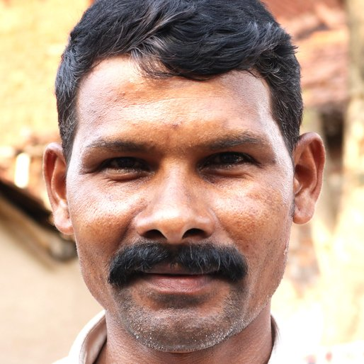 PRAKASH KUMBHAR is a Potter from Kapashi, Kagal, Kolhapur, Maharashtra