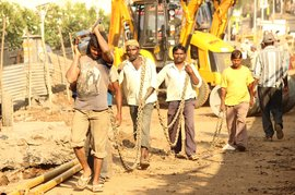 Road labourers in Mumbai from Telangana