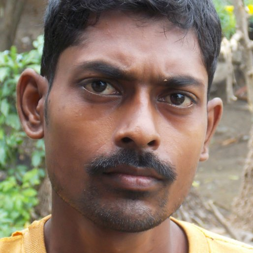 KRISHNO DEY is a Bangle-maker from Rajbalhat, Jangipara, Hooghly, West Bengal