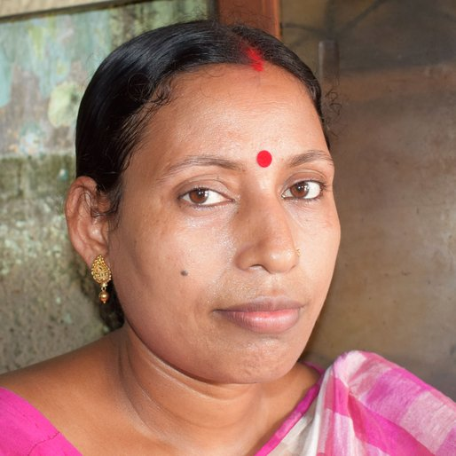 Chandana Karmakar is a Domestic worker from Hatuganj, Mograhat- I, South 24 Parganas, West Bengal
