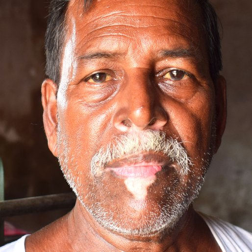 Sankar Mondal is a Tea seller from Satghara Debipur, Mograhat- I, South 24 Parganas, West Bengal