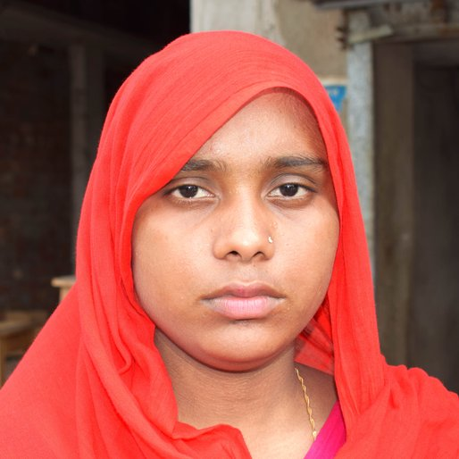 Sabera Bibi is a Domestic worker from Raidighi, Mathurapur - II, South 24 Parganas, West Bengal