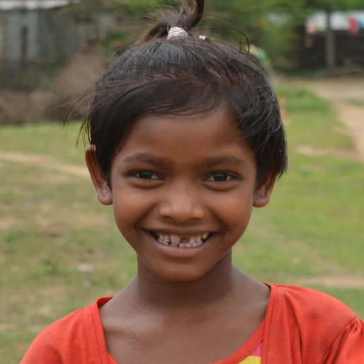 Chandni Kiro is a Student (Class 3) from Sona Chandi, Kharibari, Darjeeling, West Bengal