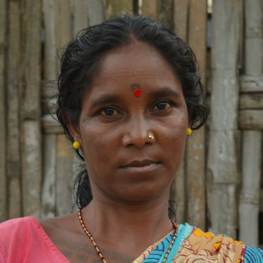 MILANI EKKA is a Tea garden worker  from Sona Chandi, Kharibari, Darjeeling, West Bengal