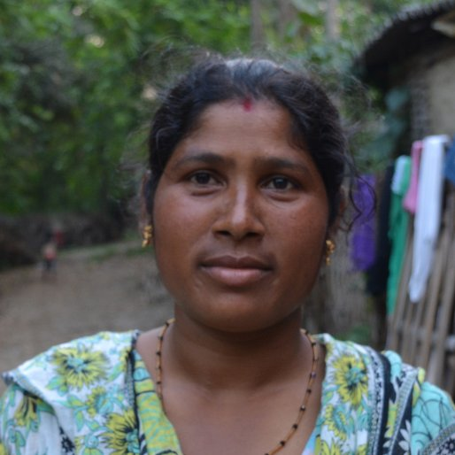 Reshma is a Tea estate labourer from Sona Chandi, Kharibari, Darjeeling, West Bengal
