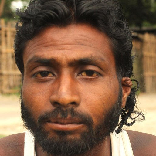 NEHRU ORAON is a Tea garden worker from Sona Chandi, Kharibari, Darjeeling, West Bengal