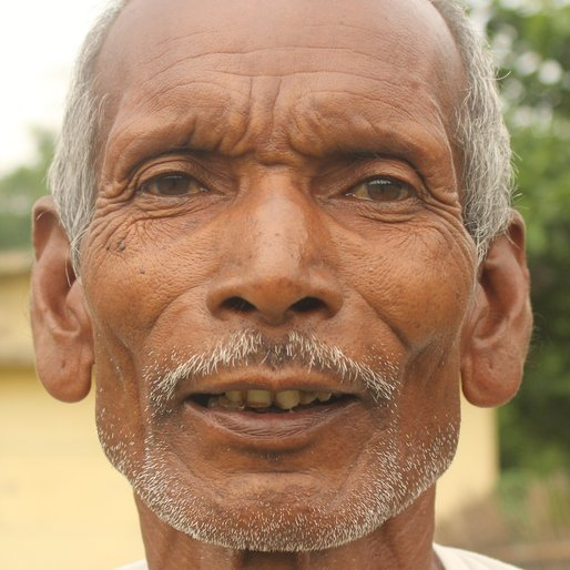 LODROCHIKH BARAIK is a Tea garden worker from Sona Chandi, Kharibari, Darjeeling, West Bengal