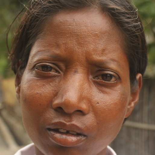 ABHA ORAON is a Tea garden worker from Sona Chandi, Kharibari, Darjeeling, West Bengal