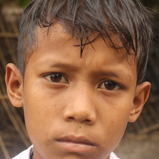 RATAN ROY is a Student from Sona Chandi, Kharibari, Darjeeling, West Bengal