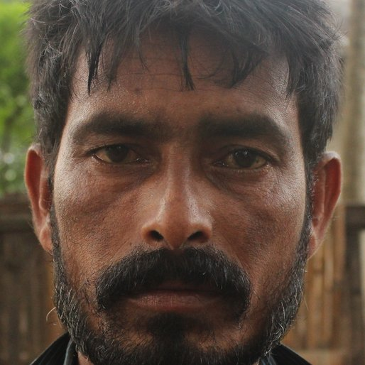 GANESH DAS is a Tea garden worker from Sona Chandi, Kharibari, Darjeeling, West Bengal
