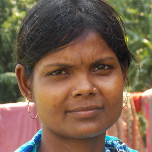 KRISHNA MALI is a Domestic worker from Harish Chak, Khanakul II, Hooghly, West Bengal