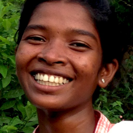 ANUPAMA SHUNDI is a Student from Lupungutu, Chaibasa, West Singhbhum, Jharkhand